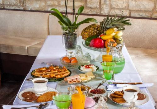 Πρωινό στον Ξενώνα Γιωράλδη στα Άνω Πεδινά